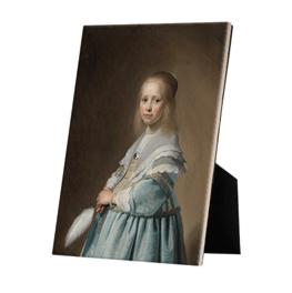 Portret van een meisje in het blauw op keramische tegel op standaard